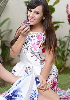 White Round Neck Sleeveless Floral Dress - Sheinside.com