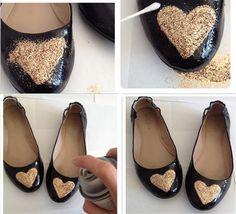 f50bb143b3d08 Customização de sapatilha - jogar glitter e finalizar com spray Sapatilha  De Verniz, Verniz Em