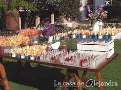#MartesdeBodas - Bodas campestres - Mesa de dulces con tinas de metal