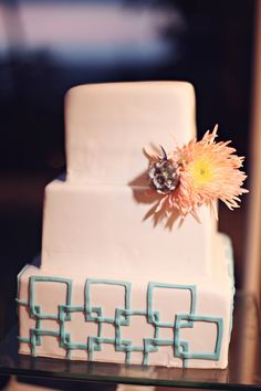 a modern take on beach cake  Photography by brandismythphotog..., Wedding and Floral Design by thedazzlingdetail...