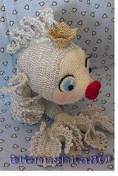 Описание вязанной игрушки «Золотая рыбка » Crochet Animal Patterns, Stuffed Animal Patterns, Crochet Animals, Doll Patterns, Amigurumi Patterns, Crochet Fish, Crochet Motif, Knitted Dolls, Crochet Dolls