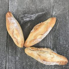 Cooking Bread, Bread Baking, Hot Dog Buns, Bread Recipes, Vegetarian Recipes, Bakery, Brunch, Rolls, Food And Drink