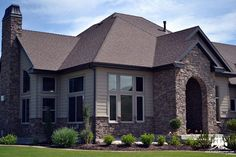 This beautiful custom home features our @gsharrisco Chief Joseph (Color: Cape Cod)  ----- www.KodiakMountain.com  ----- #KodiakMountainStone    #HomeBuilding #HomeBuilder #HomeBuilders #CustomHomes #Luxury #LuxuryHome #Construction #RealEstate #f Chief Joseph, Stone Gallery, Manufactured Stone, Stone Veneer, Home Builders, Cape Cod, Custom Homes, Luxury Homes, Building A House