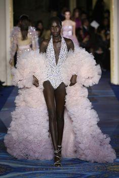 haute couture fashion Archives - Best Fashion Tips Queen Fashion, Suit Fashion, Fashion News, Fashion Figures, Haute Couture Fashion, Zuhair Murad, Suits For Women, Ideias Fashion, Formal Dresses
