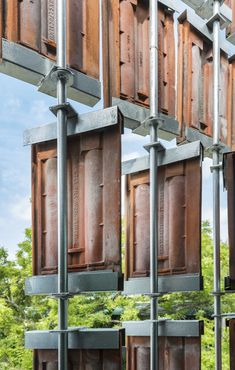 This house in PJ brilliantly repurposes roof tiles into a moving front facade Tropical Architecture, Brick Architecture, Architecture Details, Chinese Architecture, Architecture Office, Futuristic Architecture, Brick Design, Roof Design, Facade Design