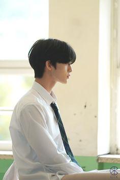 Cute Asian Guys, Asian Boys, Bae Jinyoung Produce 101, First Boyfriend, Sad Anime Girl, Ulzzang Boy, Male Face, Kpop Boy, Handsome Boys