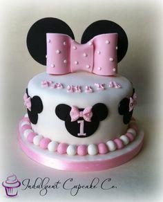 Minnie Mouse Themed Cake 07917815712 wwwfancycakesbylindacouk www