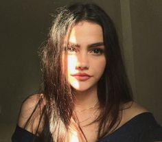 Selfie Poses For Girls Makeup - Selfie Pretty People, Beautiful People, Foto Mirror, Fake Girls, Selfie Poses, Girl Inspiration, Girl Photography Poses, Girls Makeup, Tumblr Girls