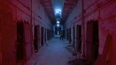 6 Scariest Haunted Houses in America — Travel Channel Haunted Houses In America, Scary Haunted House, Terrifying Halloween, Creepy, Halloween Attractions, Eastern State Penitentiary, Local Legends, Ghost Hunting, Travel Channel