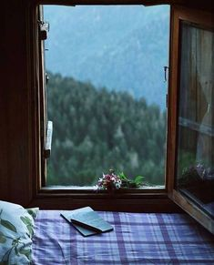 window view~~Gito Plateau,Camlıhemsin,Rize (Eastern Black Sea Region of Turkey // photography by Mücahit Muğlu ( Window View, Through The Window, Jolie Photo, Cozy Place, Slow Living, Aesthetic Wallpapers, Countryside, Beautiful Places, House Beautiful