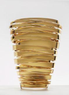 Anna Torfs / Vase Parts High / Harlequin London #Vase #AnnaTorfs