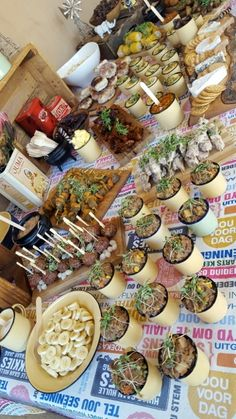 "South African ""Kuier"" Food TableProudly South African ""Kuier"" Food Table The perfect Breakfast South African Decor, South African Dishes, African Theme, South African Weddings, South African Recipes, South African Braai, Traditional Wedding Decor, African Traditional Wedding, Braai Recipes"