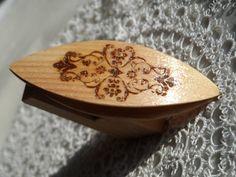 Beautiful handmade woden tatting shuttle with engraved by Banyek