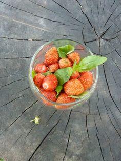 Простейший десерт из клубники с базиликом. Вкусно и эффектно)) strawberry basil glass