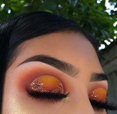 45 Stunning Sunset Eyes Makeup Inspirational Ideas For Prom And Wedding - Sunset Makeup 32 𝕴𝖋 𝖀 𝕷𝖎𝖐𝖊 𝕵𝖚𝖘𝖙 𝕱𝖔𝖑𝖑𝖔𝖜 𝖀𝖘! Everythings about gorgeous sunset makeups you may love here! 𝙎𝙪𝙣𝙨𝙚𝙩 𝙢𝙖𝙠𝙚𝙪𝙥 𝙩𝙞𝙥𝙨 Makeup Eye Looks, Cute Makeup, Glam Makeup, Gorgeous Makeup, Pretty Makeup, Skin Makeup, Makeup Inspo, Eyeshadow Makeup, Makeup Brushes