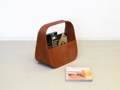 GAETANA magazine rack by villahomecollection made in Italy on CROWDYHOUSE
