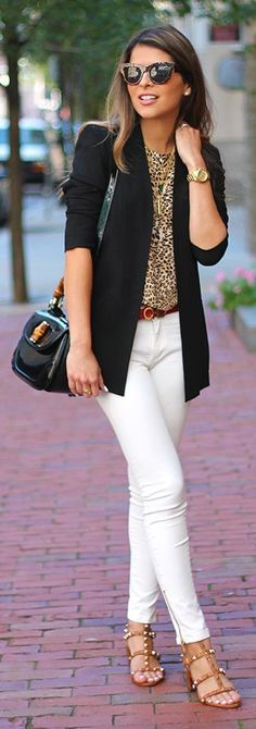 Cool Office Outfit Idea Black Blazer Plus Bag Plus Leopard Blouse Plus White Pants Plus Sandals Coole Büro-Outfit-Idee Schwarzer Blazer Plus Tasche Plus Leopardenbluse Plus Weiße Hose Plus Sandalen Mode Chic, Mode Style, How To Wear White Jeans, White Jeans Outfit Summer, Office Outfit Summer, Summer Outfits For Work, Fall Office Outfits, White Jeans Winter, Outfit With White Pants