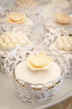 Candy Station / Wedding Cupcakes - María Andrée Couture Cakes