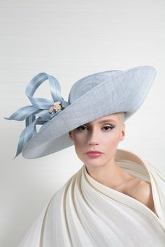 OC 271 | Philip Treacy London