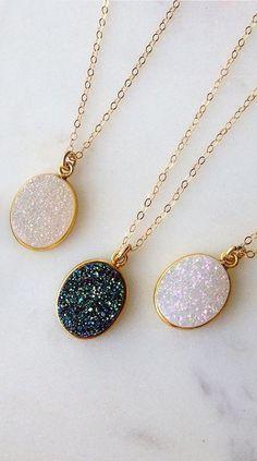 Sparkly druzy necklaces | jewellery design | jewelry | crystal | layered necklace | bohemian style | boho | gold | geode #BohemianJewelry