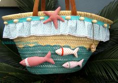 CABASSOS I BISUTERIA loula bos Summer Handbags, Summer Bags, Beach Basket, Diy Sac, Straw Tote, Patchwork Bags, Big Bags, Fabric Bags, Easy Sewing Projects