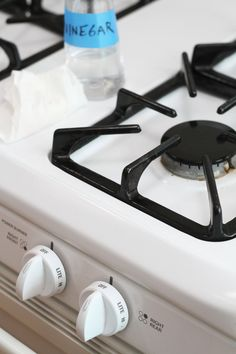 The cleaning up part certainly isn't as fun (or as tasty) as the cooking part, but it's  a job that must be done. Check out these handy tips for a stovetop your mother would be proud of!
