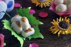 Forminhas de folhas e flores para doces