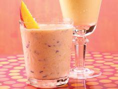 Berry-Mango Smoothie http://www.prevention.com/food/cook/26-amazingly-healthy-recipes/slide/27