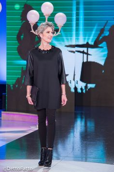 "Tutorial by Eleonora Albrecht on Tv programm ""Detto Fatto"" | Soft rock style | Dollaro pochette by dudubags"