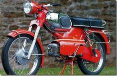 My boyfriends motorbike :) 1975 Vintage Bikes, Vintage Motorcycles, Cars And Motorcycles, Vespa Motorcycle, Motorcycle Design, Ducati, Bike Shed, Pretty Cars, 50cc