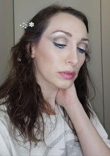 Makeup Matters: 5 Eyeshadow Looks We Love Inspired By Nature - Look 5 Snow Eyeshadow Base, Urban Decay Eyeshadow, Eyeshadow Looks, White Eye Pencil, Hourglass Ambient Lighting Powder, It Cosmetics Cc Cream, Celebrity Skin, Natural Skin