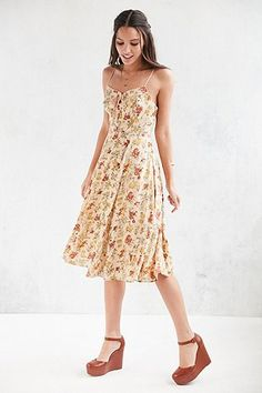 """Urban Outfitters – Midikleid """"Georgia May"""" in Gelb mit Schnürung"""