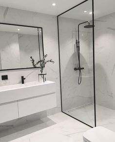 Trendy Bathroom Mirror With Shelf Floors Ideas Loft Bathroom, Diy Bathroom Remodel, Bathroom Renovations, Small Bathroom, Bathroom Storage, Bathrooms Decor, Bathroom Organization, Master Bathroom, Bathroom Mirror With Shelf