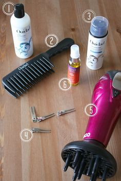 curly hair styling tricks by Feathers, via Flickr