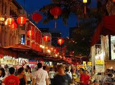 The #Chinatown in #Singapore is one of the must-see cultural enclaves for visitors to have a fascinating peek into the city's Chinese culture and history. Here, you will enjoy a mix of heritage, shopping as well as a good variety of food options, which are sure to leave a traveller happy & satisfied at the end of the day. Take bus 51 from bus-stop outside Riverview Hotel, alight at 3rd bus-stop at Apollo Centre & walk towards Chinatown. Or take a 20-min stroll from Riverview Hotel.