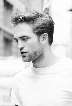 Rob Pattinson- why does vampires have to be so amazing looking
