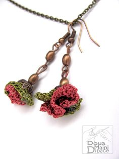 Orecchini fatti a mano di fiore di seta verde e rosa all'uncinetto, romantico, fibra gioielli, estate di Boemia campo floreale capricciosa  9.19 €