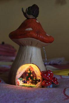 Домик-грибок: http://master.forblabla.com/blog/46147706326/Esche-odno-iz-moih-tvoreniy