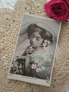 Antique tinted photo-postcard, actress, singer Miss Florence Smithson Florence, Photo Postcards, Vintage Photos, Vintage Ladies, Singer, Actresses, Antiques, Frame, Ebay