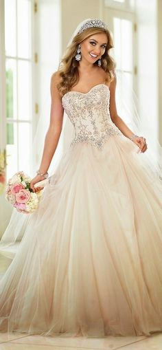 Glamorous, sexy and extravagant #wedding dress is a perfect complement to a bride's attitude, style and spirit.
