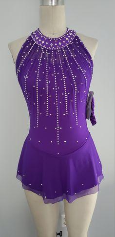 Figure Skating Competition Dresses, Figure Skating Outfits, Figure Skating Costumes, Ice Dance Dresses, Ice Skating Dresses, Cute Dance Costumes, Different Types Of Dresses, Majorette Uniforms, Skate