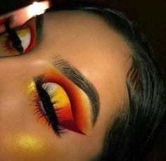 makeup looks for green eyes makeup gold makeup for small eyes eye makeup looks best on me makeup kit list makeup video step by step in hindi eye with makeup makeup Makeup Eye Looks, Eye Makeup Art, Cute Makeup, Makeup Kit, Skin Makeup, Makeup Inspo, Eyeshadow Makeup, Makeup Brushes, Makeup Ideas