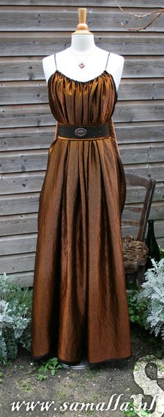 Shae Dress in copper/black metallic with belt Game of by SamallaNL