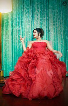 Bride in Amazing Gown. More information on WeddingNet #weddingnet #indianwedding #indianbride #indianwedding #bridallehenga #lehenga #pink #gold #beige #weddinglehenga #weddingsaree #bride #gown  FOLLOW OUR INSTAGRAM @WEDDINGNET Object Photography, Photography Services, Photography Portfolio, Bridal Lehenga, Saree Wedding, Bridal Blouse Designs, Indian Wedding Photography, Wedding Preparation, Dip