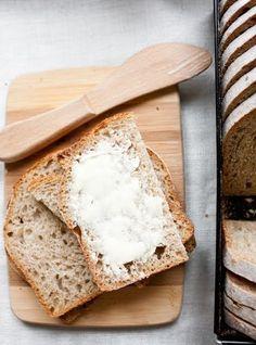 Chleb upiekłam na święta, jest bardzo prosty w wykonaniu. I równie smaczny, co prosty. W 100% z mąki orkiszowej.  Nie ma długiego zagniat... My Favorite Food, Favorite Recipes, Appetizers, Keto, Make It Yourself, Breads, Bread Rolls, Appetizer