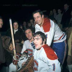 Jean Beliveau in Photos - - Montréal Canadiens - Photos Hockey Memes, Hockey Goalie, Ice Hockey, Montreal Canadiens, Hockey Pictures, Goalie Mask, Canadian History, Vancouver Canucks, Nfl Fans