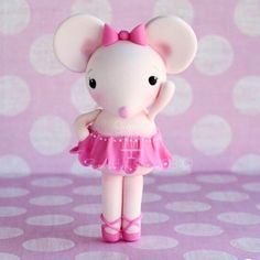 Hi Sweeties!  #fondant #mouse #fondantart #caketopper #sweet #cake #cupcake #sugarart #Smile #love #happy #sugarhighinc