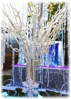 Crystal tree at a Frozen Snow Princess Birthday Party! See more party ideas at… Frozen Themed Birthday Party, 4th Birthday Parties, Princess Birthday, Princess Party, Birthday Ideas, Frozen Christmas, Frozen Snow, Disney Frozen Party, Winter Wonderland Party