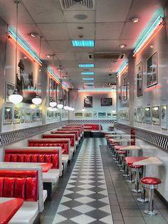 Larry Lingard-Davis - Hungry Jacks in New Zealand's Neon 1950 Diner, Vintage Diner, Diner Aesthetic, Aesthetic Vintage, Diner Restaurant, Restaurant Design, Vintage Restaurant, Bar Retro, Retro Cafe