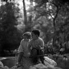 Εθνικός κήπος (πρώην Βασιλικός) 1959 φωτογραφία Nick Dewolf Greece, Couple Photos, Couples, Greece Country, Couple Shots, Couple Photography, Couple, Couple Pictures